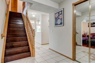 Photo 4: 140 Eldorado Close NE in Calgary: Monterey Park Detached for sale : MLS®# A1113532