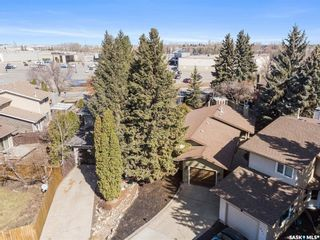 Photo 3: 935 Coppermine Lane in Saskatoon: River Heights SA Residential for sale : MLS®# SK856699