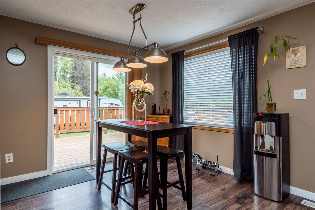"""Photo 3: Photos: 10770 GROVE Road in Prince George: Pineview House for sale in """"PINEVIEW/BUCKHORN"""" (PG Rural South (Zone 78))  : MLS®# R2093768"""