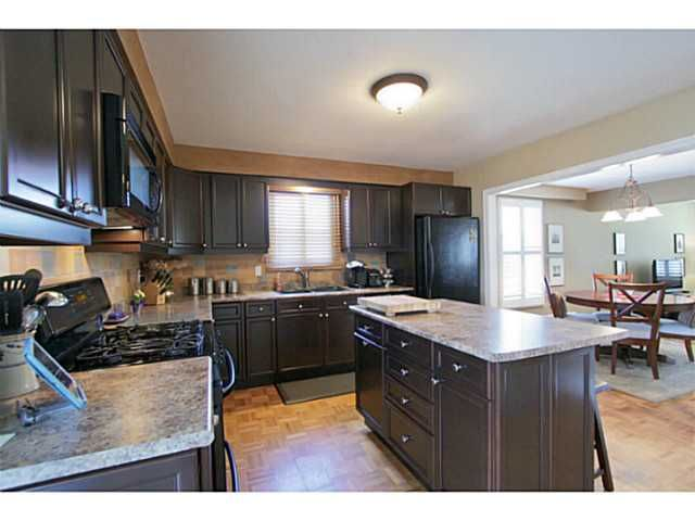 Photo 9: Photos: 5 CAMPFIRE CT in BARRIE: House for sale : MLS®# 1403506
