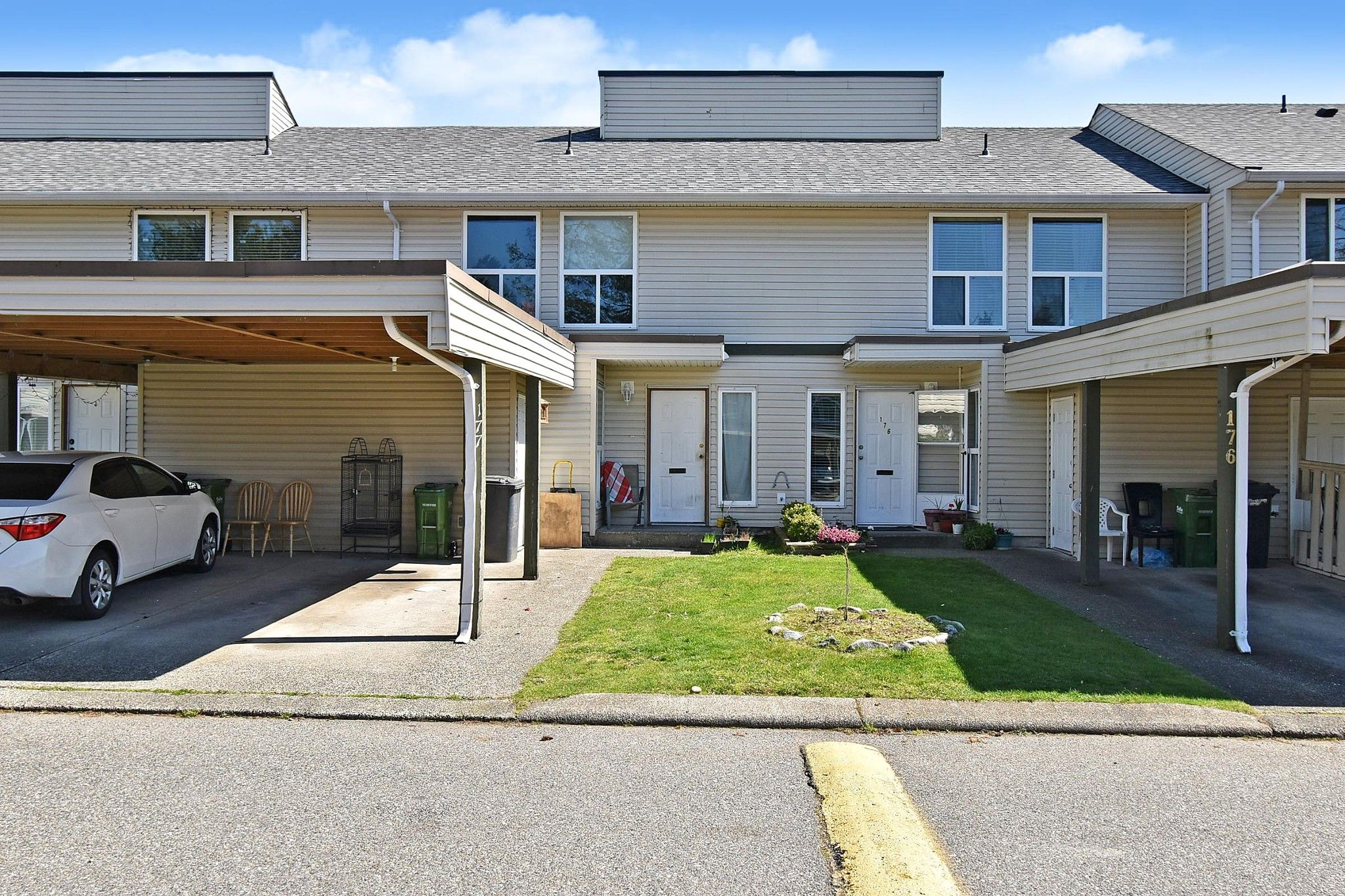 "Main Photo: 177 32550 MACLURE Road in Abbotsford: Abbotsford West Townhouse for sale in ""Clearbrook Village"" : MLS®# R2564532"