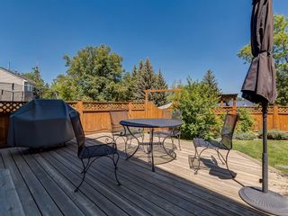 Photo 3: 9844 PALISTONE Road SW in Calgary: Palliser House for sale : MLS®# C4192205