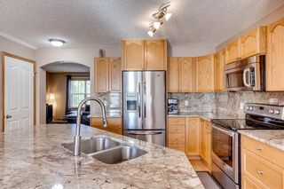 Photo 10: 67 EVERSYDE Circle SW in Calgary: Evergreen Detached for sale : MLS®# C4242781