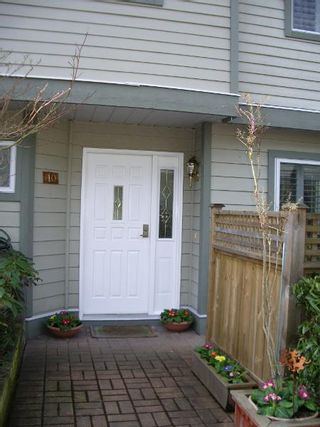 Photo 4: BEAUTIFULLY RENOVATED 3-BR TOWNHOUSE!