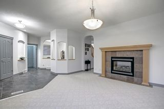 Photo 6: 163 Springbluff Heights SW in Calgary: Springbank Hill Detached for sale : MLS®# A1153228