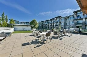 "Photo 4: 315 6688 120 Street in Surrey: West Newton Condo for sale in ""ZEN @ SALUS"" : MLS®# R2196171"