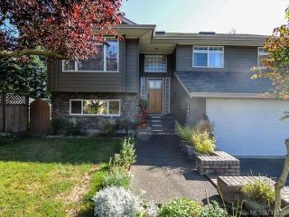 Photo 1: 1706 QUATSINO PLACE in COMOX: CV Comox (Town of) House for sale (Comox Valley)  : MLS®# 713033