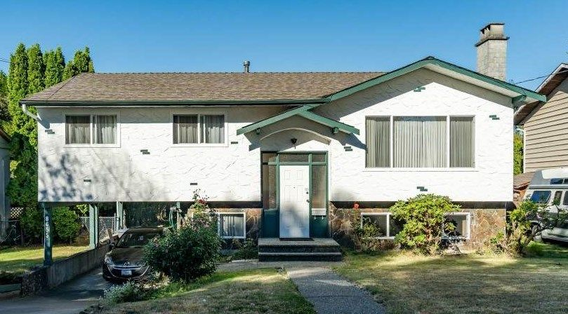 Main Photo: 8655 154 Street in Surrey: Fleetwood Tynehead House for sale : MLS®# R2494784