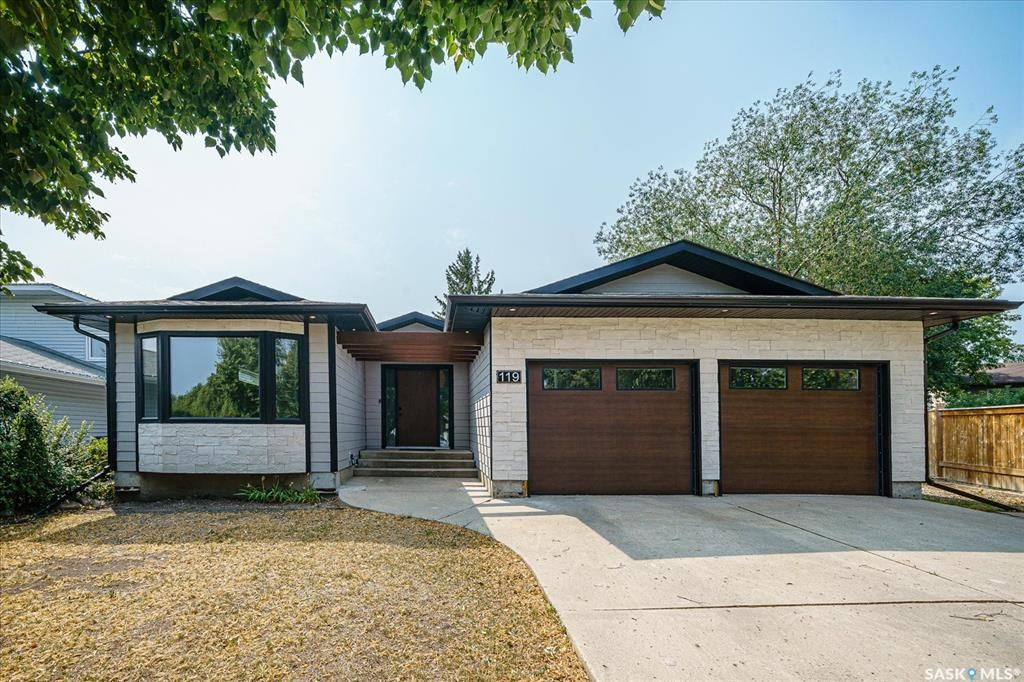 Main Photo: 119 Rao Crescent in Saskatoon: Silverwood Heights Residential for sale : MLS®# SK873644