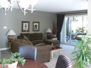 Photo 2: 107 1840 SOUTHMERE Crescent E: Sunnyside Park Surrey Home for sale ()  : MLS®# F1106103