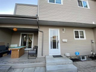 Photo 18: 1672 LAKEWOOD Road S in Edmonton: Zone 29 Townhouse for sale : MLS®# E4235515