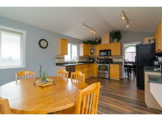 Photo 6: 7982 TOPPER DRIVE in Mission: Mission BC House for sale : MLS®# R2042980
