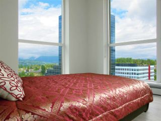 """Photo 7: 1110 10777 UNIVERSITY Drive in Surrey: Whalley Condo for sale in """"City Point"""" (North Surrey)  : MLS®# R2456310"""