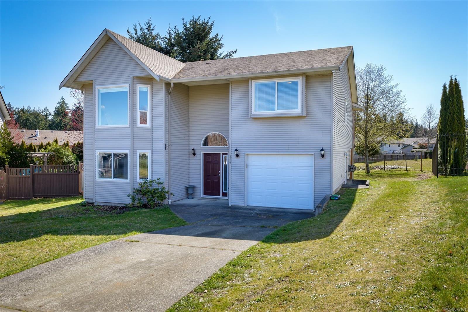 Main Photo: 514 Deerwood Pl in : CV Comox (Town of) House for sale (Comox Valley)  : MLS®# 872161