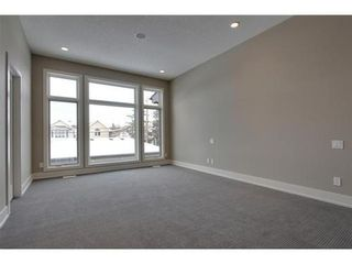 Photo 13: 2116 2 Avenue NW in Calgary: 3 Storey for sale : MLS®# C3541376