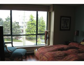 """Photo 7: 306 1318 W 6TH Avenue in Vancouver: Fairview VW Condo for sale in """"BIRCH GARDENS"""" (Vancouver West)  : MLS®# V764182"""