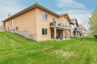Photo 2: 189 ROYAL CREST View NW in Calgary: Royal Oak Semi Detached for sale : MLS®# C4297360
