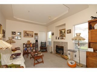"""Photo 4: 25 998 RIVERSIDE Drive in Port Coquitlam: Riverwood Townhouse for sale in """"PARKSIDE PLACE"""" : MLS®# V938950"""