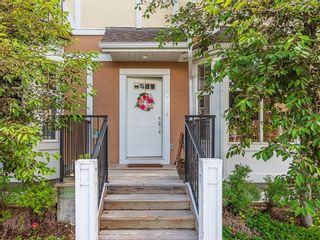 Photo 5: 43 WEST SPRINGS Lane SW in Calgary: West Springs Row/Townhouse for sale : MLS®# C4256287