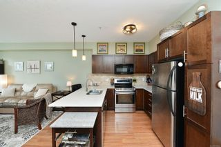 Photo 3: 304 2220 Sooke Rd in : Co Hatley Park Condo for sale (Colwood)  : MLS®# 883959