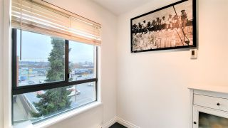 """Photo 9: PH5 223 MOUNTAIN HIGHWAY Highway in North Vancouver: Lynnmour Condo for sale in """"Mountain View Village"""" : MLS®# R2560241"""