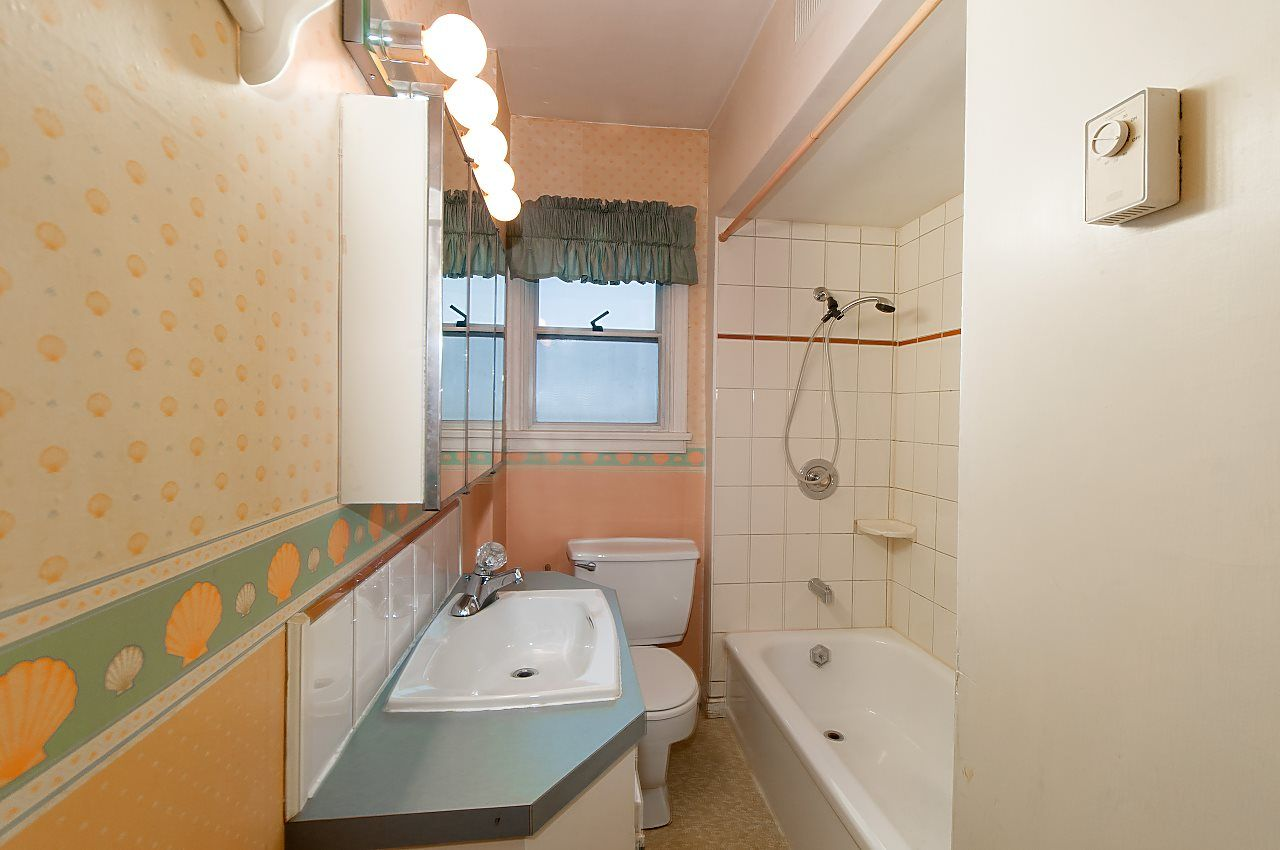 Photo 12: Photos: 1671 W 64TH Avenue in Vancouver: South Granville House for sale (Vancouver West)  : MLS®# R2347397