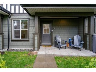"""Photo 2: 45 8050 204 Street in Langley: Willoughby Heights Townhouse for sale in """"Ashbury & Oak South"""" : MLS®# R2457635"""