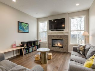 Photo 11: 2334 54 Avenue SW in Calgary: North Glenmore Park Semi Detached for sale : MLS®# A1101000