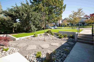 Photo 2: 2913 TRINITY Street in Vancouver: Hastings Sunrise House for sale (Vancouver East)  : MLS®# R2572863