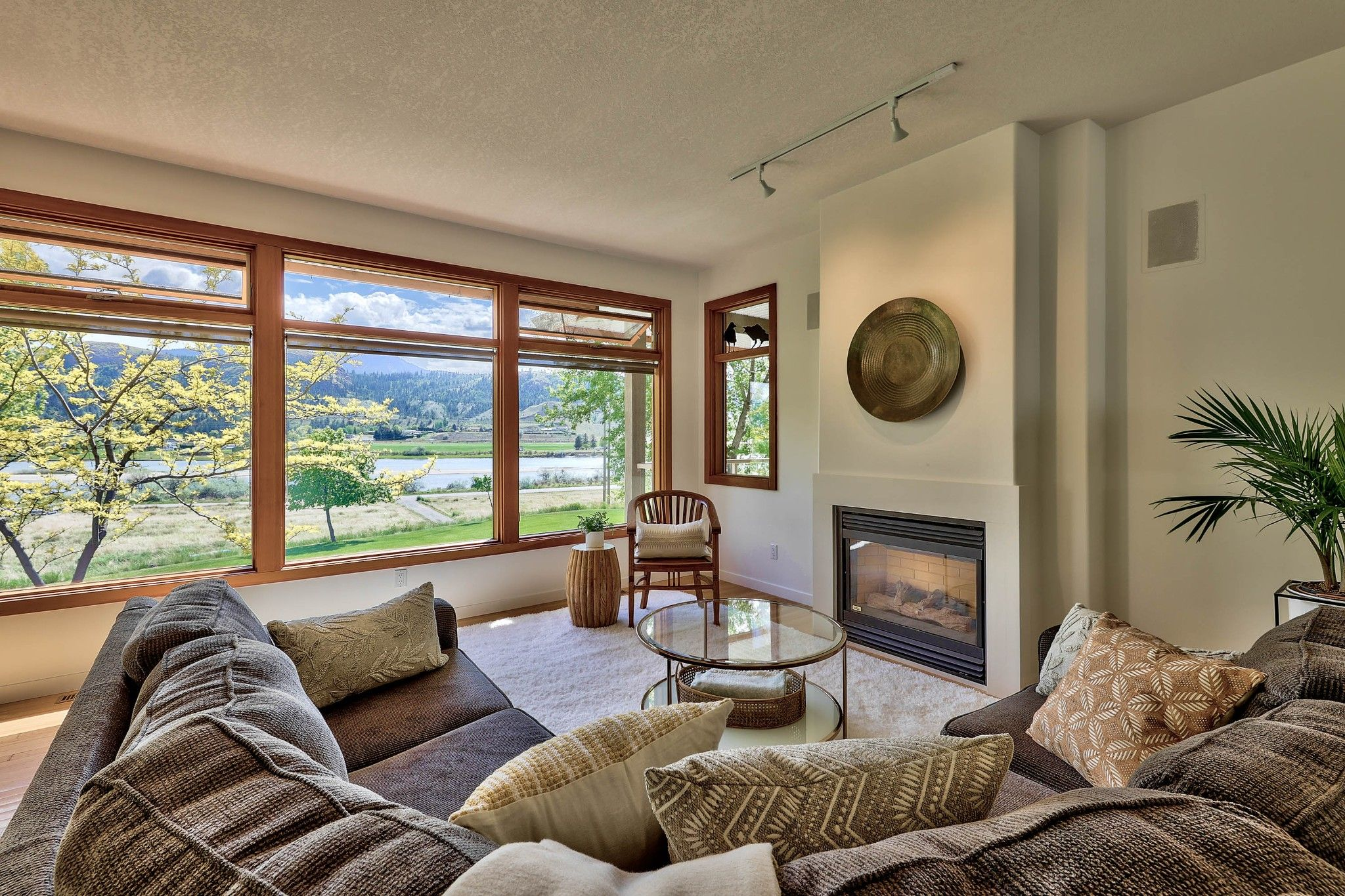 Photo 12: Photos: 3299 E Shuswap Road in Kamloops: South Thompson Valley House for sale : MLS®# 162162