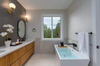"""Photo 19: 40895 THE CRESCENT in Squamish: University Highlands House for sale in """"UNIVERSITY HEIGHTS"""" : MLS®# R2467442"""