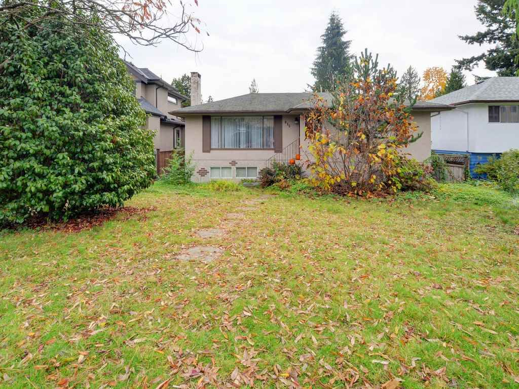 Photo 2: Photos: 915 E 14TH Street in North Vancouver: Boulevard House for sale : MLS®# R2131992