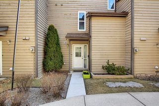 Photo 3: 4 95 Grier Place NE in Calgary: Greenview Row/Townhouse for sale : MLS®# A1080307