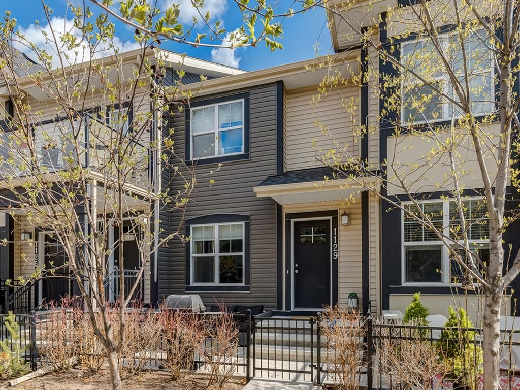 Main Photo: 1129 Mckenzie Towne Row SE in Calgary: McKenzie Towne Row/Townhouse for sale : MLS®# A1044887