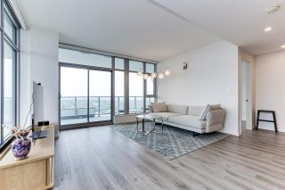 """Photo 4: 4206 1888 GILMORE Avenue in Burnaby: Brentwood Park Condo for sale in """"TRIOMPHE RESIDENCES"""" (Burnaby North)  : MLS®# R2574074"""
