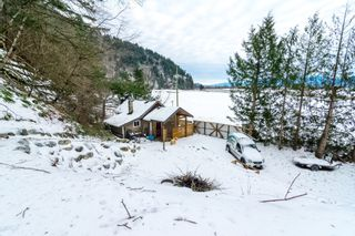 Photo 31: 4077 LAKEMOUNT Road in Abbotsford: Sumas Mountain House for sale : MLS®# R2229779