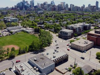 Photo 7: 701 14 Street NW in Calgary: Hillhurst Mixed Use for sale : MLS®# A1128858