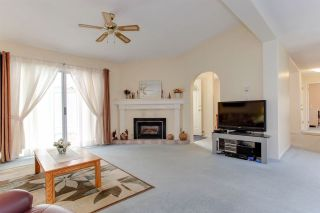 """Photo 3: 5528 SPINNAKER Bay in Delta: Neilsen Grove House for sale in """"SOUTHPOINTE"""" (Ladner)  : MLS®# R2203224"""