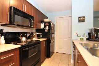 "Photo 4: 316 12248 224 Street in Maple Ridge: East Central Condo for sale in ""URBANO"" : MLS®# R2211064"