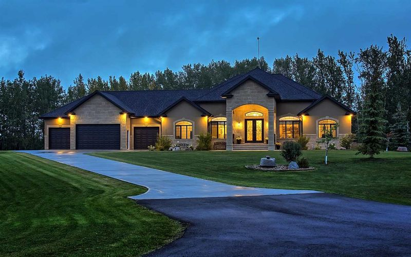 FEATURED LISTING: 100 50535 RGE RD 233 Rural Leduc County