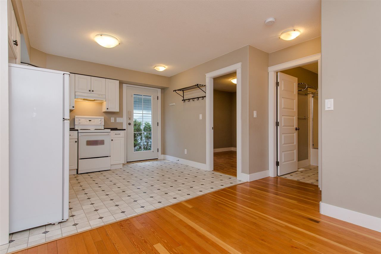 "Photo 37: Photos: 416 MAPLE Street: Cultus Lake House for sale in ""Cultus lake Park"" : MLS®# R2493541"