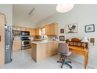 """Photo 6: 98 9012 WALNUT GROVE Drive in Langley: Walnut Grove Townhouse for sale in """"Queen Anne Green"""" : MLS®# R2456444"""
