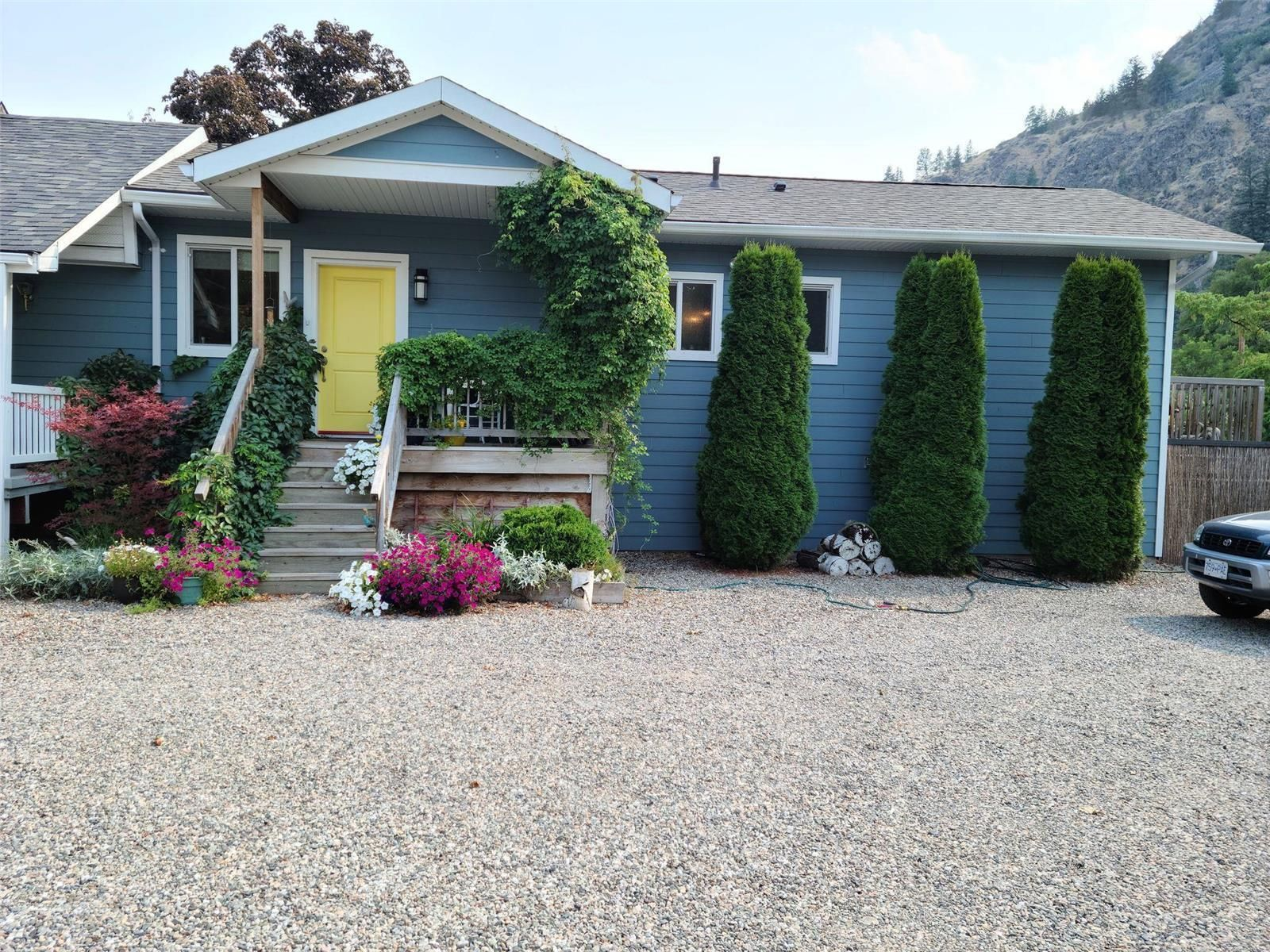 Main Photo: 443 Ridgeview Road, in Oliver: Institutional - Special Purpose for sale : MLS®# 10241046