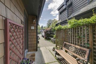 Photo 2: 1025 BROTHERS Place in Squamish: Northyards 1/2 Duplex for sale : MLS®# R2373041