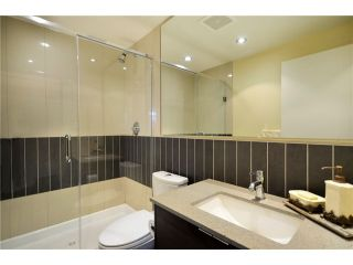 "Photo 7: 402 175 W 2ND Street in North Vancouver: Lower Lonsdale Condo for sale in ""VENTANA"" : MLS®# V933531"