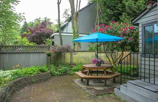 """Photo 19: 4784 LAURELWOOD Place in Burnaby: Greentree Village Townhouse for sale in """"GREENTREE VILLAGE"""" (Burnaby South)  : MLS®# R2375023"""