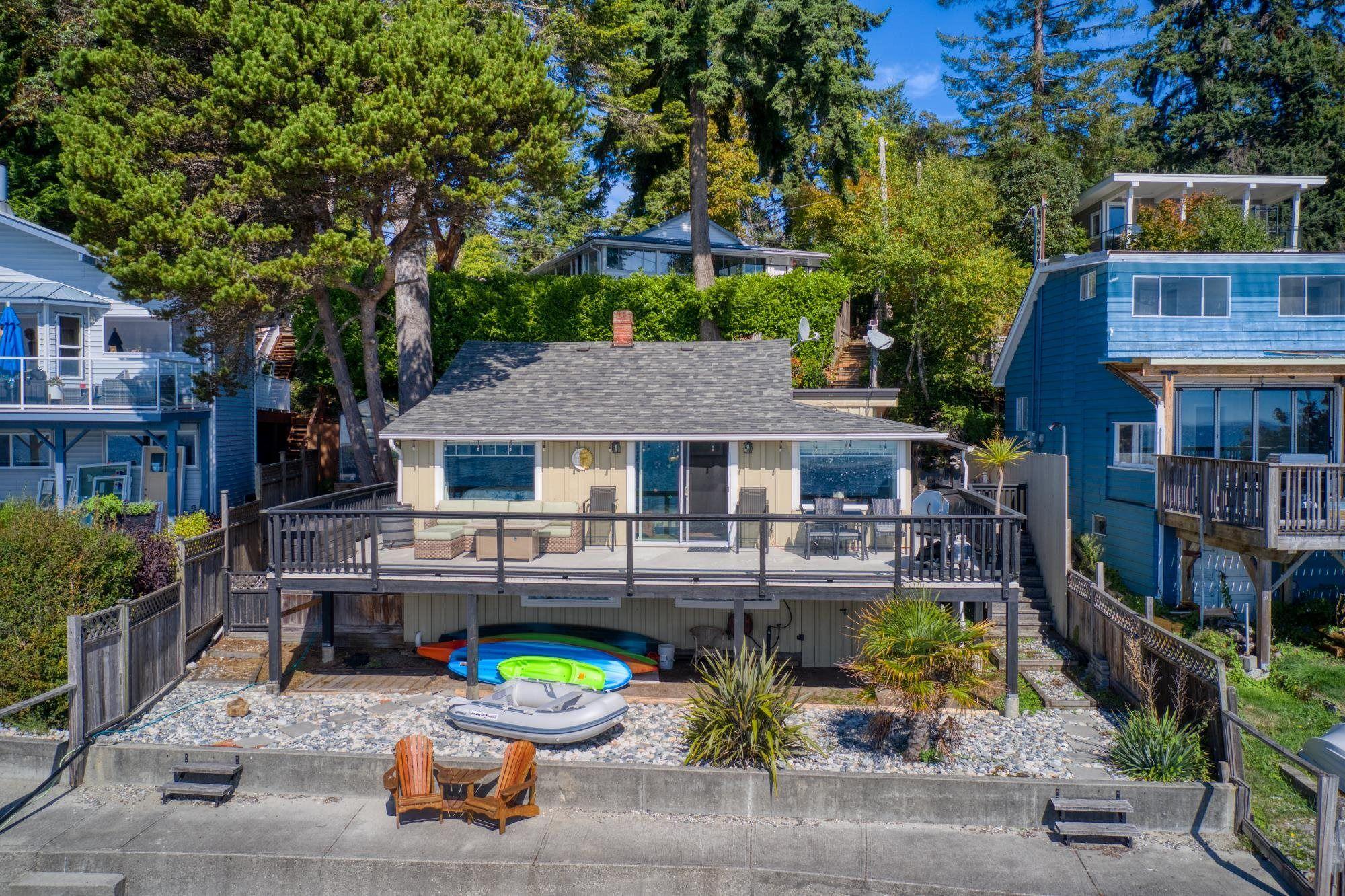 Main Photo: 5413 SELMA PARK Road in Sechelt: Sechelt District House for sale (Sunshine Coast)  : MLS®# R2618283