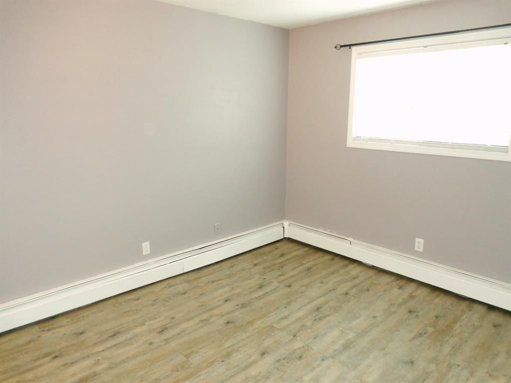 Photo 21: Photos: 301 5812 61 Street: Red Deer Apartment for sale : MLS®# A1063837