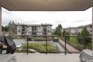 "Photo 17: 307 2068 SANDALWOOD Crescent in Abbotsford: Central Abbotsford Condo for sale in ""The Sterling"" : MLS®# R2250934"