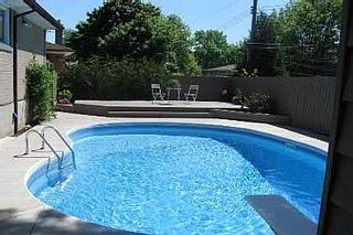 Photo 2: 7 FAREHAM CRES in TORONTO: Freehold for sale